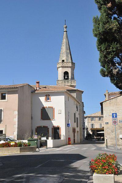 Maillane, Blick auf die Kirche aus SO