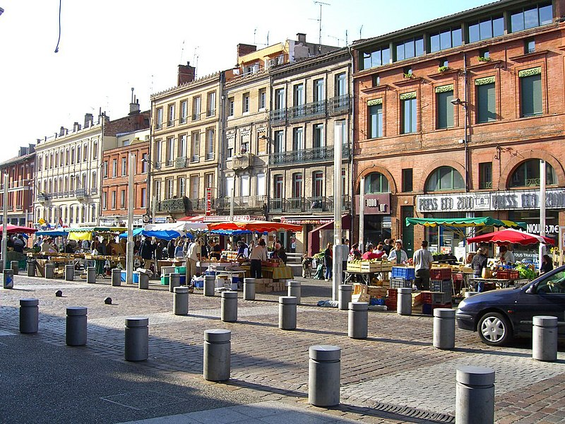 Mercadillo en la Plaza de Arnaud-Bernard, Toulouse