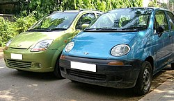 Daewoo Matiz first generation to the right of second generation