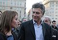 Mauricio Macri con Eleonora Cassano en el obelisco (8125681074).jpg