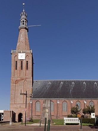 Medemblik - Image: Medemblik, de Bonifaciuskerk met een monumentale toren RM28362 foto 6 2015 10 11 13.20