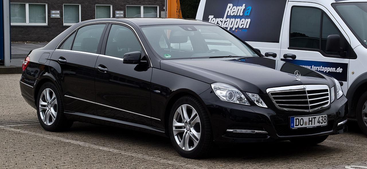 File:Mercedes-Benz E 200 BlueEFFICIENCY Avantgarde (W 212 ...
