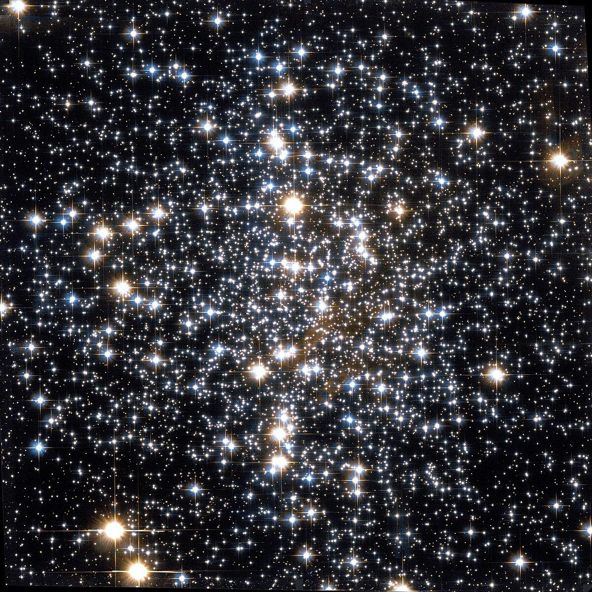 Messier 4 - Wikipedia