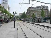 Ligne 3a du tramway d 39 le de france wikip dia - Station total porte d italie ...