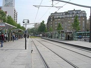 Porte d'Italie (Paris Métro) - Image: Metro 7 Porte d Italie tramway