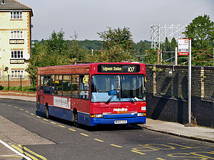 Metroline bus DLD144 (W144 ULR), 20 September 2008.jpg