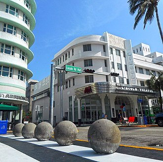 Lincoln Road - Image: Miami Beach South Beach Lincoln Road Mall 08