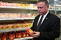 Ministro Blairo Maggi fiscaliza produtos feitos de carnes (32777095213).jpg