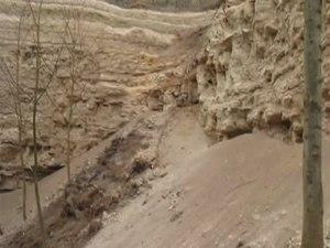 File:Miocenní sladkovodní vápence.ogv