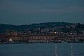 Mole Vanvitelliana vista di notte e dal mare.jpg