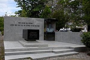 Moises Frumencio da Costa Gomez - Burial site and monument to Doktoor Moises Frumencio da Costa Gomez at Morada Santa cemetery in Bottelier