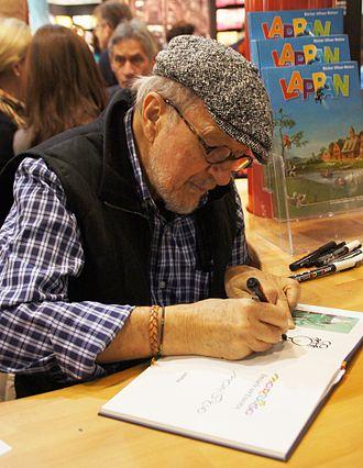 Guillermo Mordillo - Mordillo at 2012 Frankfurt Book Fair signing his Lappan cartoon books