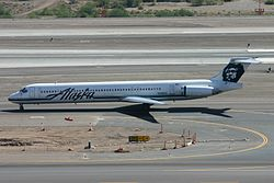 N949AS McDonell Douglas MD-83 Alaska (8401794218).jpg