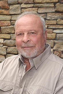 A picture of Nelson Demille, an American author.