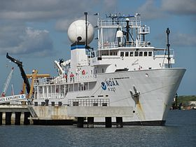 Les U-Boote, sous-marins de la Kriegsmarine 280px-NOAA_Ship_Okeanos_Explorer_alongside_NOAA_photo