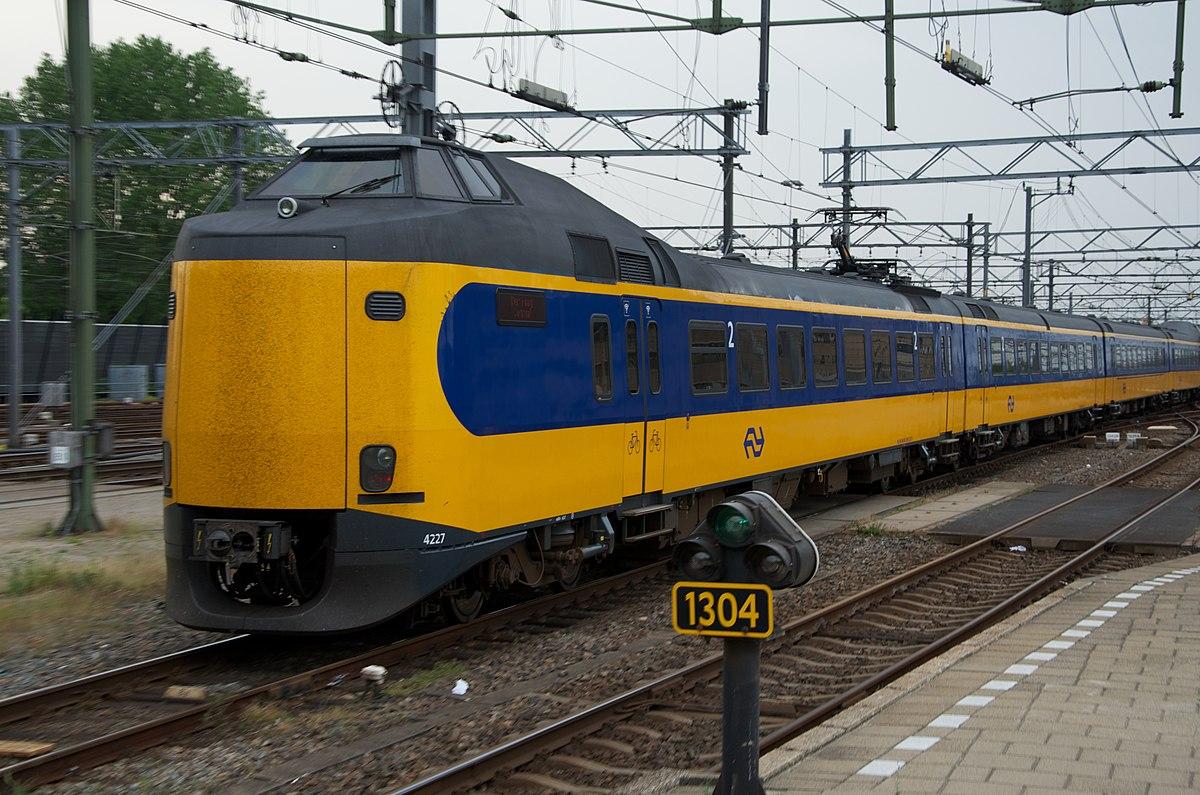 1200px-NS_Koploper_ICM_4227_verlaat_Utre