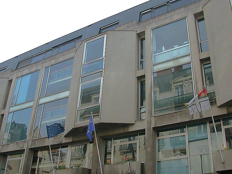 Façade de l'hôtel de ville de Nantes sur la rue de Strasbourg