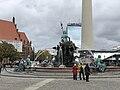 Neptunbrunnen 047.jpg