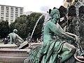 Neptunbrunnen 053.jpg