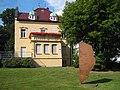 Neuenrade-VillaHerfeldSkulptur-1-Asio.JPG