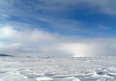 Sea ice at the North Pole in 2006 Noaa3-2006-0602-1206 (cropped).jpg