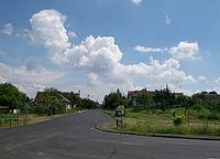 Nové Hony - križovatka v obci.jpg