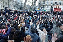 220px-Nuit_Debout_-_Paris_-_42_Mars_09 dans Folie