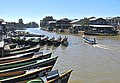 Nyaung Shwe, embarcadero 01.jpg