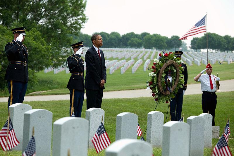Obama-lincol-cemetery.jpg