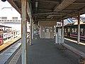 Ohmi Railway Omi-Hachiman station platform.JPG