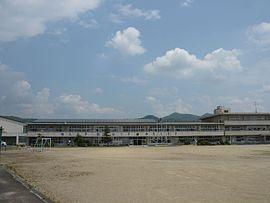 大野町立西小学校 - Wikipedia