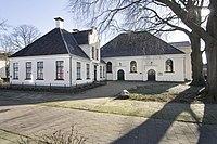 Overzicht kerk (rechts) en pastorie (links) - Hoogezand - 20413022 - RCE.jpg