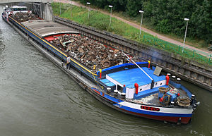 Barge - Barge carrying recycling material on Deûle channel in Lambersart, France