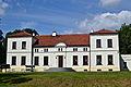 Pałac w Łojdach (tył) od frontu.JPG
