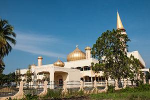 Papar District - Image: Papar Sabah Masjid Daerah Papar 02