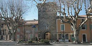 Pernes-les-Fontaines - City gate