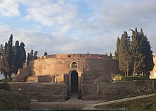 Photographs of the Mausoleum of Augustus 14 (cropped).jpg