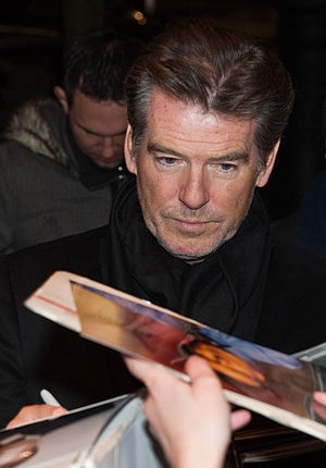 Pierce Brosnan - Brosnan signing autographs at the 2010 Berlin International Film Festival