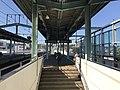 Platform of Karatsu Station 6.jpg