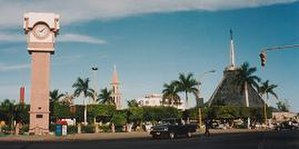 Sacred Heart of Jesus Cathedral, Ciudad Obregón - View of Alvaro Obregon Square, with the cathedral in the background