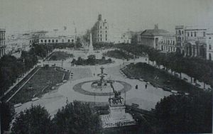 Torcuato de Alvear - The Plaza de Mayo and, in back, the Avenida de Mayo, shortly after Mayor de Alvear had both developed.
