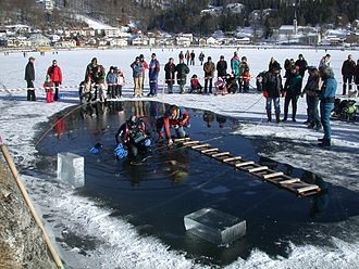 Ice diving - Image: Plongée sous glace VJ