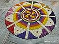 Поккалам (Onappookkalam) Цветочный ковер в Ашраме Нитхьянанда Хосдург Канхангад 04.jpg