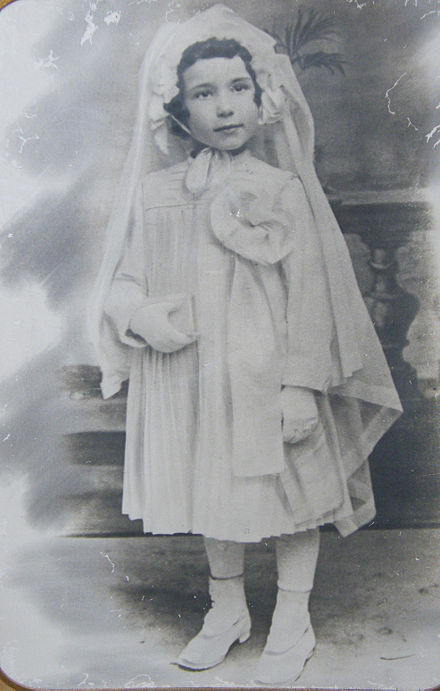 A little girl photographed for First Communion in Italy, c. 1919 Prima comunione modificato-1.jpg