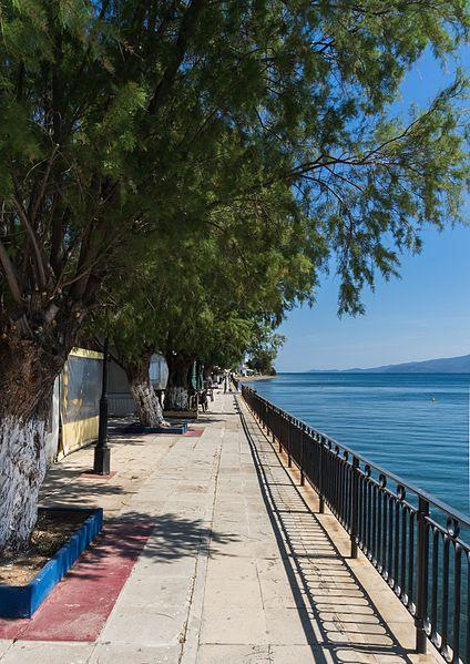 File:Promenade Amarynthos Euboea Greece.jpg