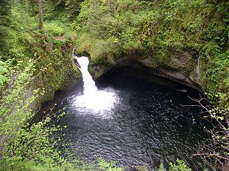 Punch Bowl Falls - Image: Punch Bowl Falls