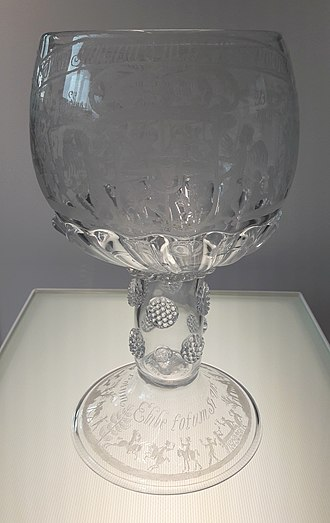 George Ravenscroft - Rummer with coat of arms of John III Sobieski and the City of Gdańsk by George Ravenscroft's glassworks, engraved by Willem Mooleyser, 1677-1678, National Museum in Warsaw