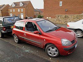 Renault Clio with broken window (3092505869).jpg