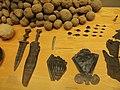 Roemermuseum arrowheads.jpg