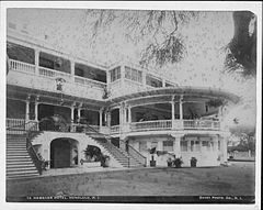 Royal Hawaiian Hotel, photograph by Frank Davey (PP-42-7-013).jpg